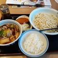 Photos: 肉汁うどん 大盛り ライス カレーコロッケ