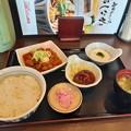 山田うどん 赤パンチ定食 ご飯大盛り ミニハンバーグ