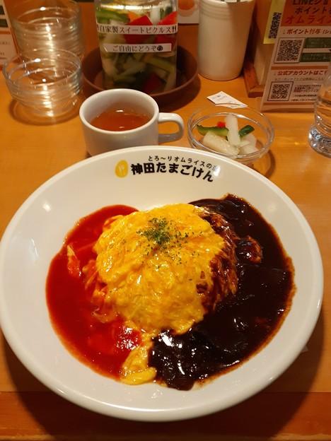 神田たまごけん トマト&ハヤシ オムライス