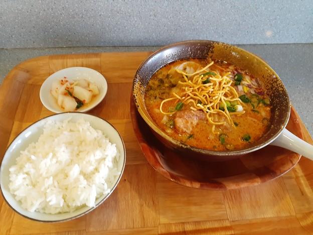 タイ風カレーラーメン カオソーイのセット