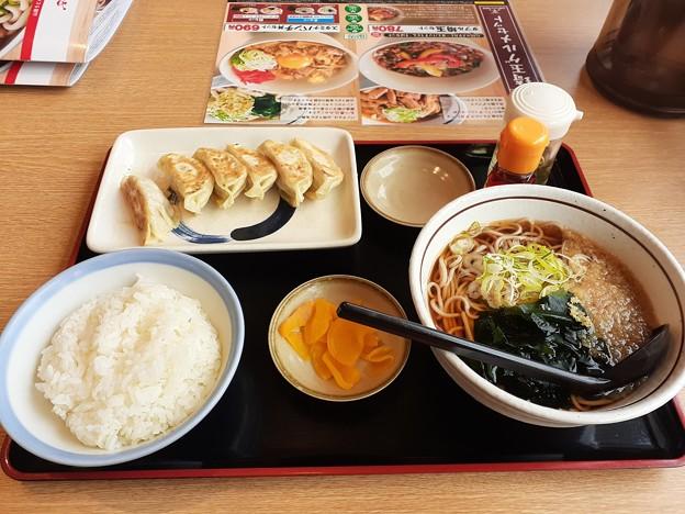 山田うどん  私オリジナル 餃子定食