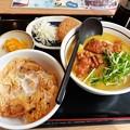 Photos: 山田うどん 唐揚げカレーそば ミニかき揚げ丼 カレーコロッケ