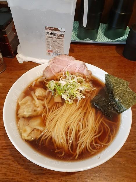 相模原 六花 醤油ワンタン麺 中盛り