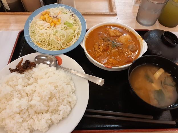 松屋 バターチキンカレー ライス大盛り 野菜セット