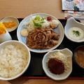 Photos: 山田うどん 生姜焼き定食 ライス大盛り ミニハンバーグ