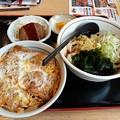 Photos: 山田うどん 日替り チキンかつ丼セット ミニハンバーグ