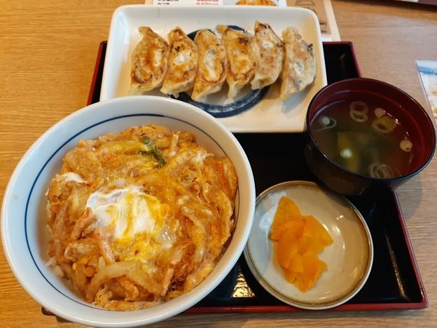 かき揚げ丼 餃子