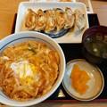Photos: かき揚げ丼 餃子