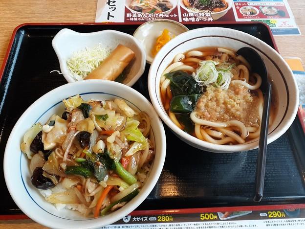 山田うどん 野菜あんかけ丼セット