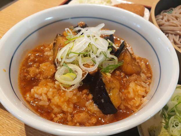 マーボー茄子丼 ピリ辛美味しいo(^o^)o