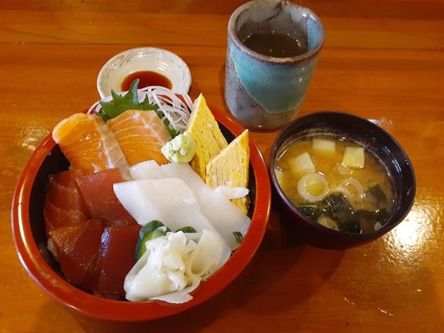 旬粋 お財布応援ランチ 三色丼