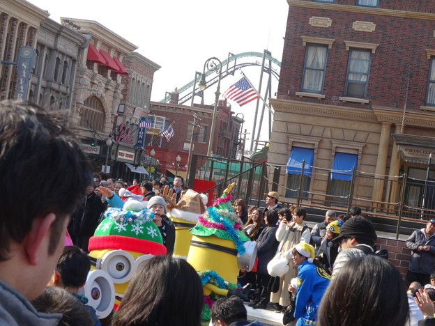 2020.1.3 USJ Crystal Greeting with Minions
