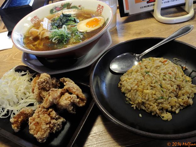 醤油らぁ麺唐揚げ炒飯セット
