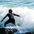Photos: 波と戯れる