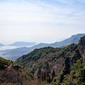 写真: 寒霞渓から見下ろす