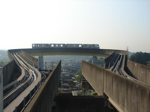 桃花台東駅のループを回る114F 2006-9-5