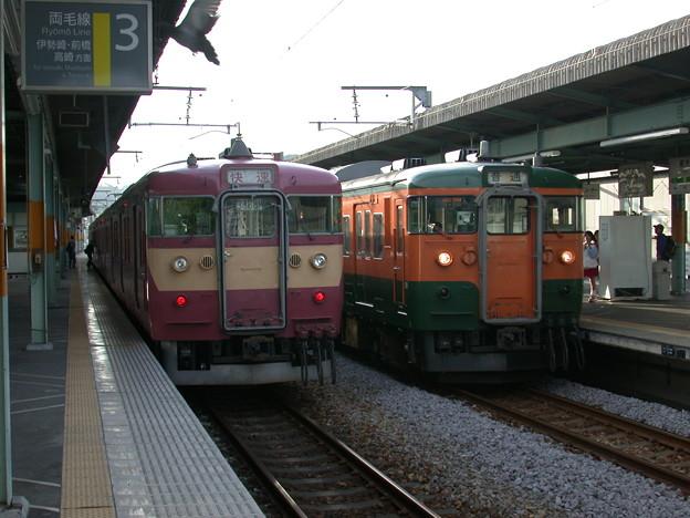 #2976 415系と115系の並び 2002-5-5