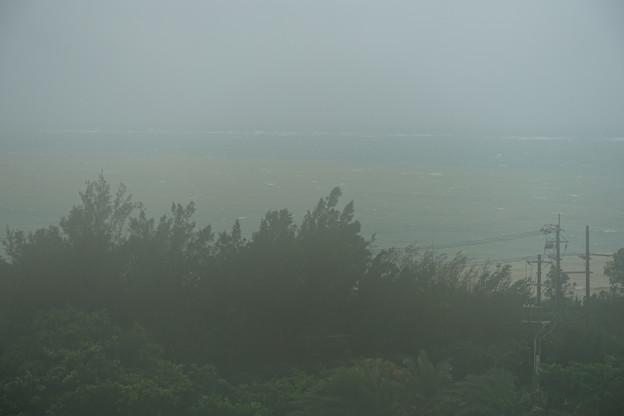 沖縄 残波岬ロイヤルホテル 台風通過