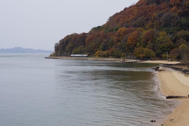 JR西日本 etoSETOra 海岸を疾走