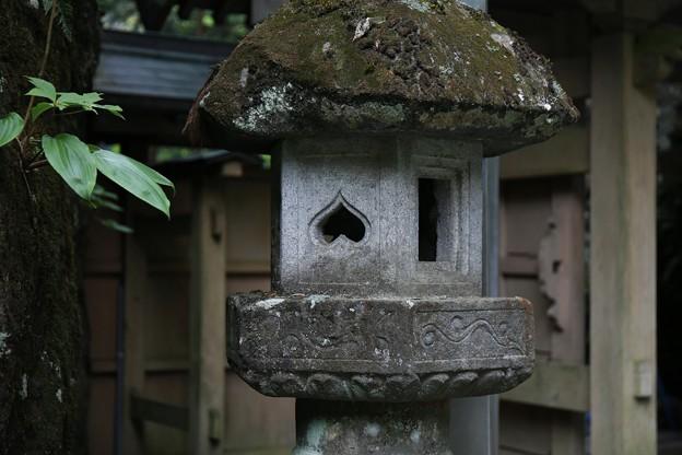 逆ハートの灯籠