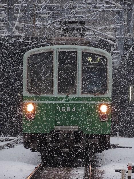 雪に耐える地下鉄40年選手
