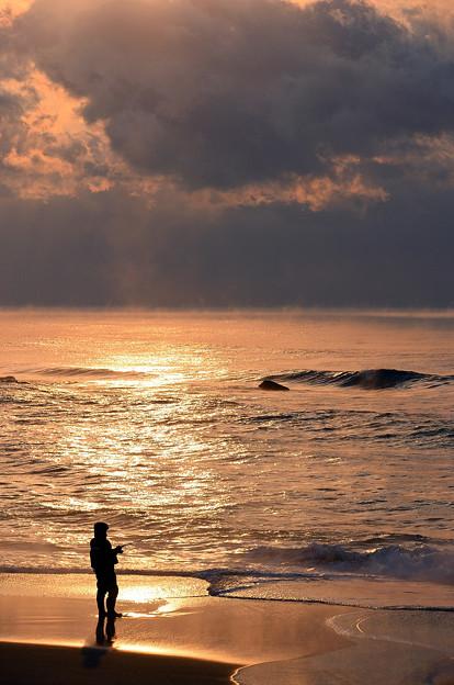 Photos: サクラマスを釣る人