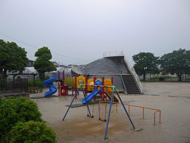 下原口公園の掩体壕(2)