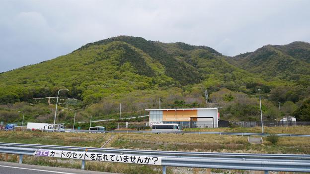 瀬戸田PA下り(9)上り線を見る