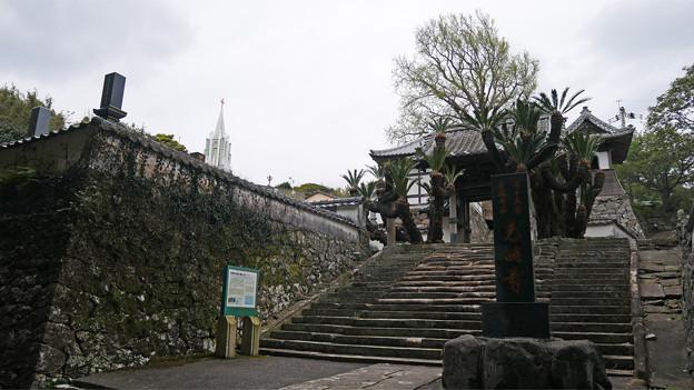 寺院と教会の見える風景 (2)