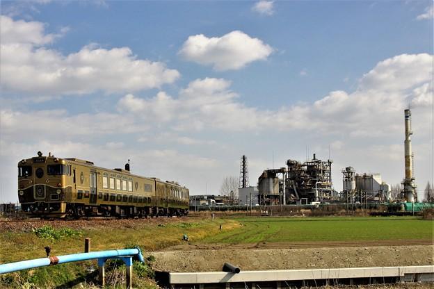 或る列車、工場