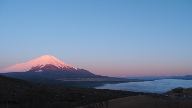 三国峠の赤富士