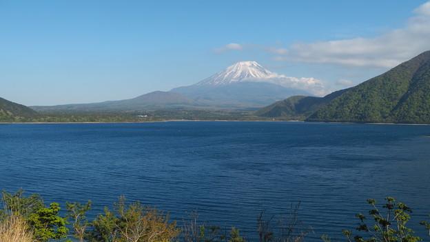 Photos: 本栖湖と富士山