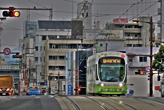 写真: 通勤電車(HDR)