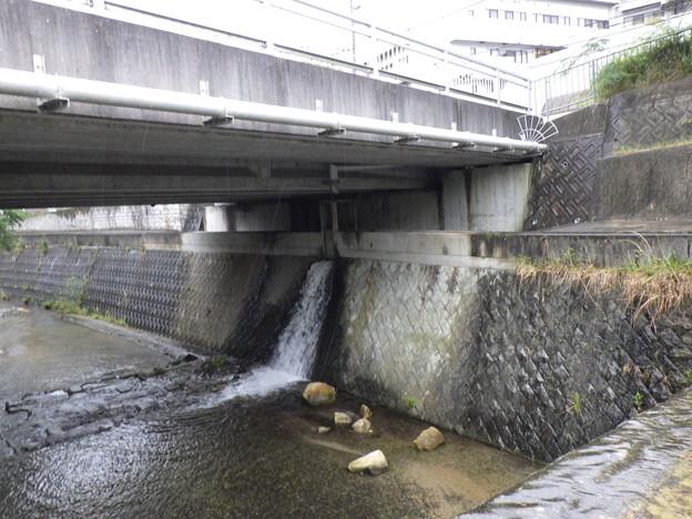 出合橋放水