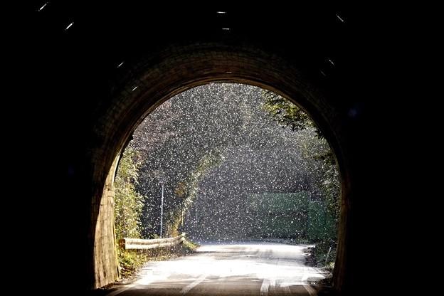 トンネルの向こう