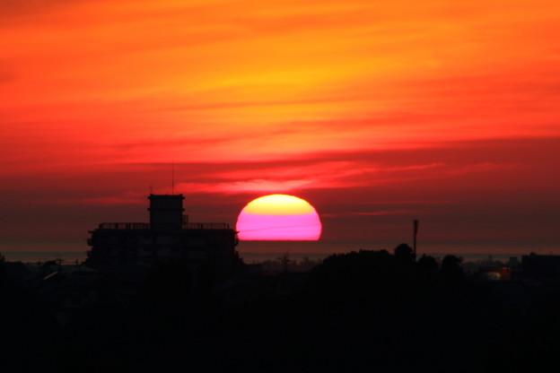 日本海に夕陽が沈む(2) 半分