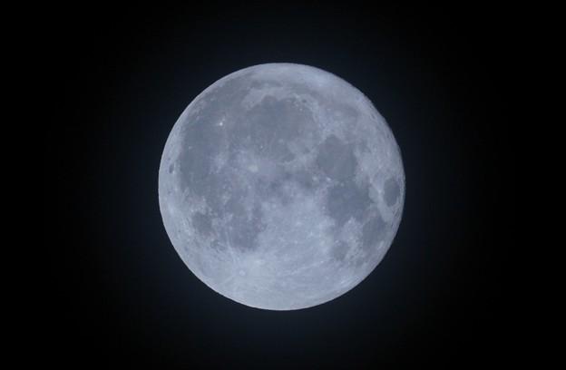 中秋の名月の翌日   満月