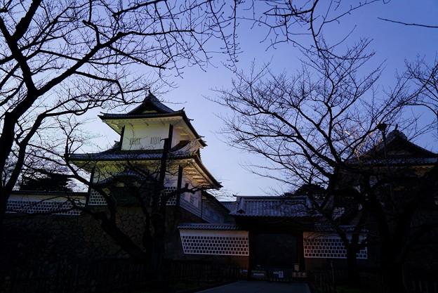 夕暮れの石川門