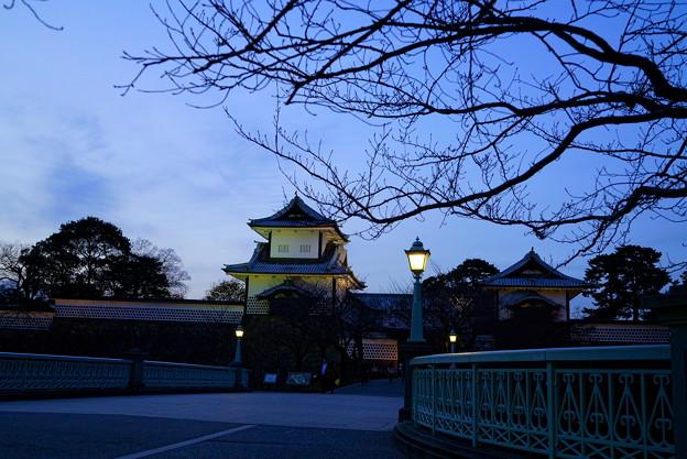 夕暮れの石川門 石川橋