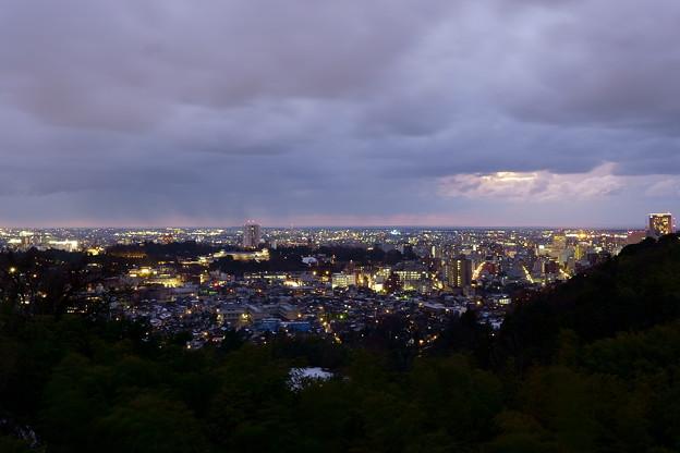 金沢市の夜景  雨が止んで