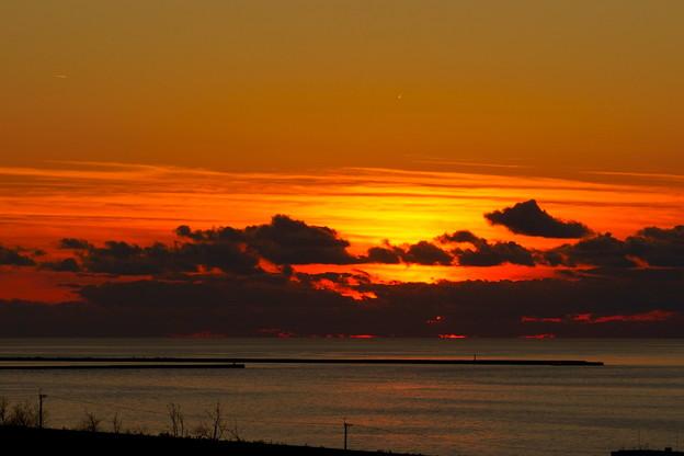 日本海と夕日