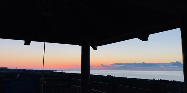 日本海と夕焼け  恋人の聖地
