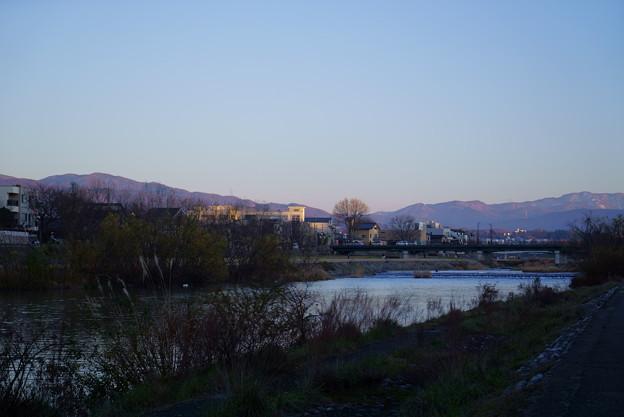 12月の犀川 山並み