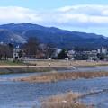 Photos: 犀川と医王山  スキー場が見えますが雪がありません(;・∀・)