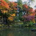 Photos: 兼六園 瓢池 懐石塔