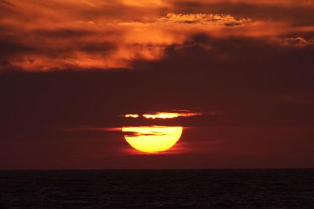 千里浜から夕日