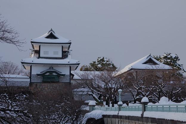 石川門 雪化粧