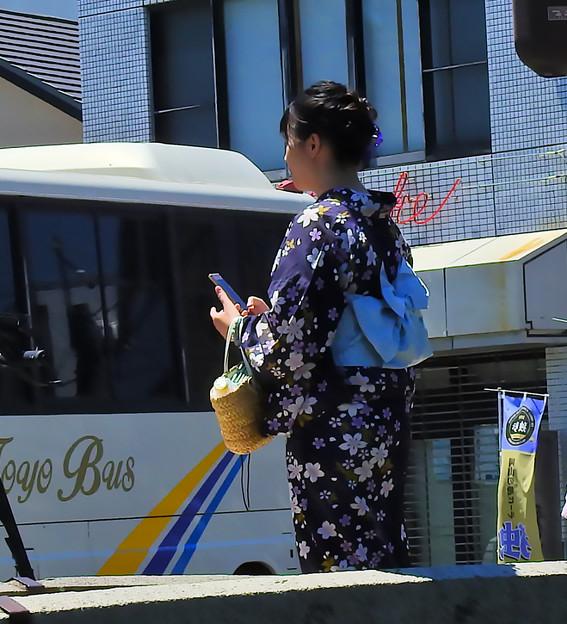 Photos: 浴衣楽しむ娘さん