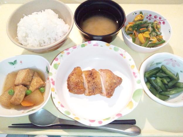 10月18日夕食(鶏肉の山椒焼き) #病院食
