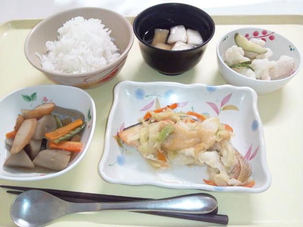 8月17日夕食(鮭のちゃんちゃん焼き) #病院食